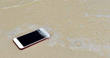 O que fazer quando o iPhone cai na água do mar?
