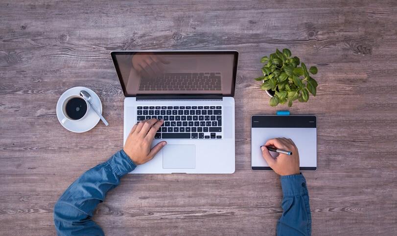 MacBook não carrega e não liga: mapeando os possíveis problemas e soluções